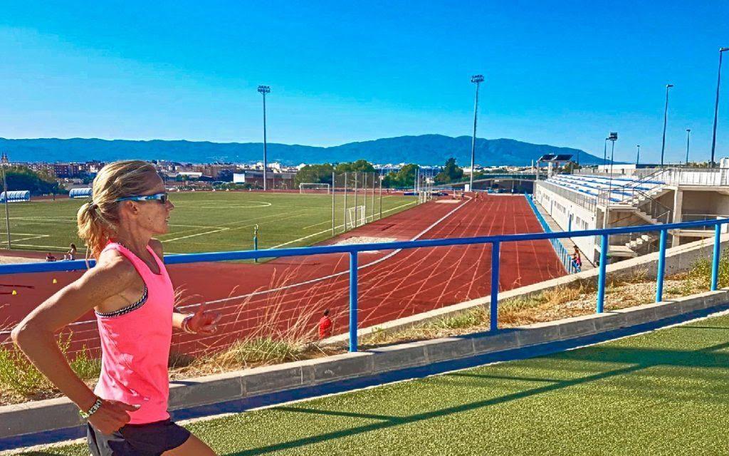 Sonia Samuels  se entrena para la Maratón en Murcia