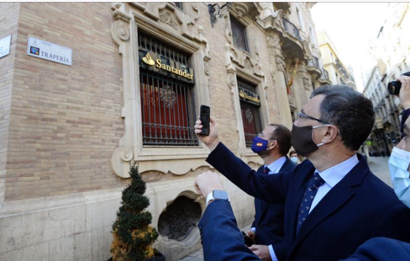 Más de 650 placas inteligentes ofrecen información sobre la historia de la ciudad